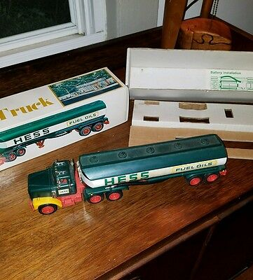 Vintage Toy Hess Truck/original Box/instructions/mint In Box!