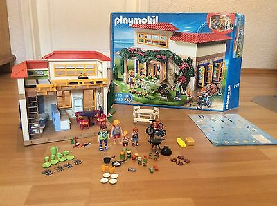 playmobil gro er reiterhof 5221 forsthaus 5004 auto mit pferdeanh nger eur 79 99. Black Bedroom Furniture Sets. Home Design Ideas