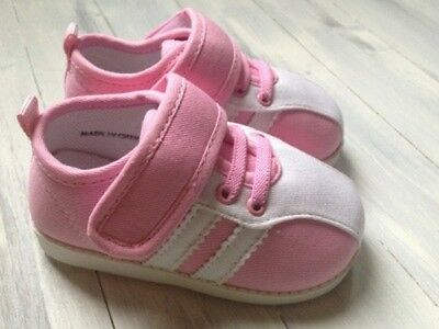 NEW Girls Pink Canvas Squeaky Shoes  Toddler size 4-8  -Pink/White Canvas