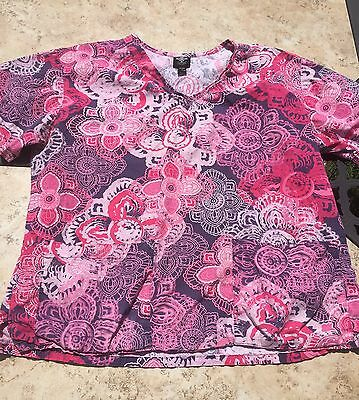 Med couture women's pink and gray scrub top size medium
