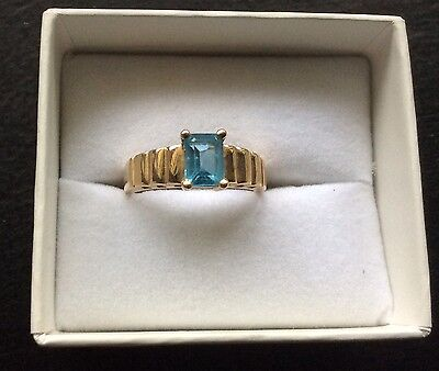 Brilliant Sky Blue TOPAZ 9ct Solid Yellow GOLD SOLITAIRE DRESS RING Sz O1/2