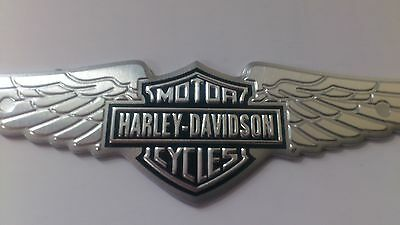2 X 3D Metall Decal Emblem Sticker Bar Shield Wings Set für Harley & PKW
