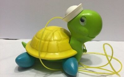 Vintage Fisher Price TURTLE Pull Along Toy With String 1977 Quaker Oats GUC (D5)