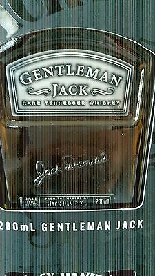 Jack Daniels Whiskey Gift Pack! 700 ml Old No.7 & 200 ml Gentleman Jack 4th Gen!