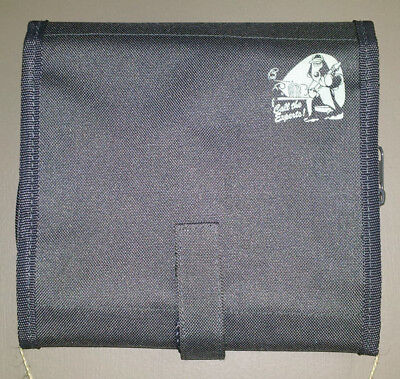 "Wallace & Gromit Toiletry Bag ""Call the Experts"""