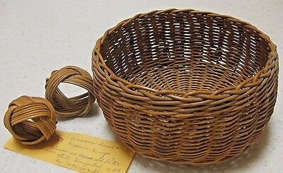 NEW VINTAGE 1943 HAND WOVEN BASKET & 2 HAND WOVEN NAPKIN RINGS with PROVENANCE