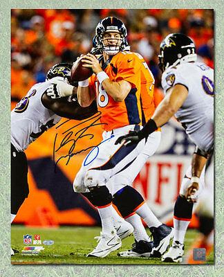 Peyton Manning Denver Broncos Autographed Football Game Action 8x10 Photo