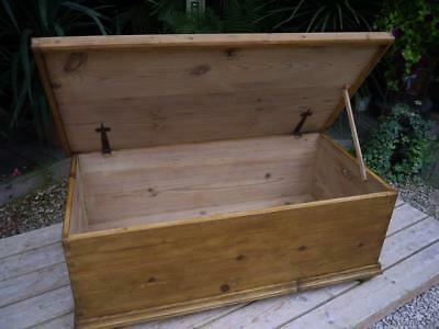 Superb! Large Old Antique Pine Blanket Box/chest/trunk/toy Storage/coffee Table