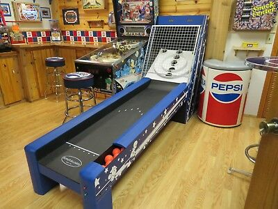 "Skee Ball Table - Deluxe Bulls Eye ""New Style"" Arcade Game Fun!"