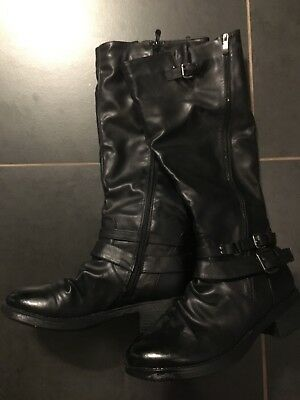 2 pairs of women's boots size 11