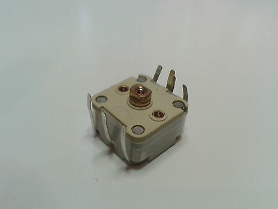 443DF Variable tuning capacitor. 2x135pf, 2x25pf, Uxcell
