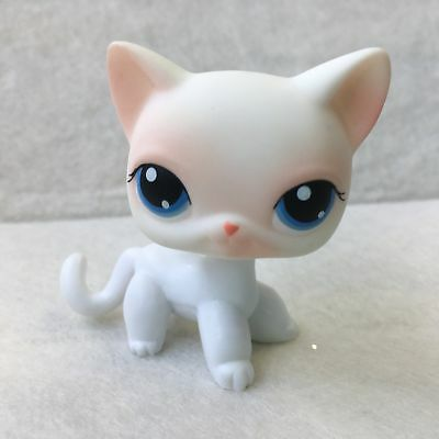LITTLEST PET SHOP  LPS White Blue Eyes Short Hair CAT # 64