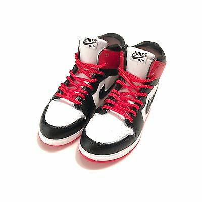 madxo *art toy 3D mini sneaker nike Air Jordan 1 OFF WHITE Chicago 1:6 M05-82
