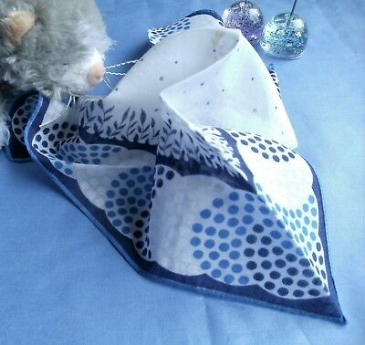 Vintage Handkerchief    Blue And White Patterned Hankie   Cotton Fabtic