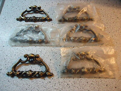 #66)VINTAGE DRAWER PULLS LOT OF 6 HANDLES  KNOBS (#b1