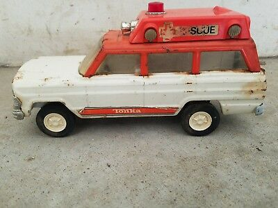 2 Vintage Late 1960s/70s Tonka USA Pressed Steel Rescue Ambulance Jeep Wagoneer