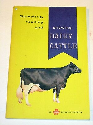 "• Vintage • 1960 Albers ""SHOWING DAIRY CATTLE"" Farming Brochure / Catalog •"
