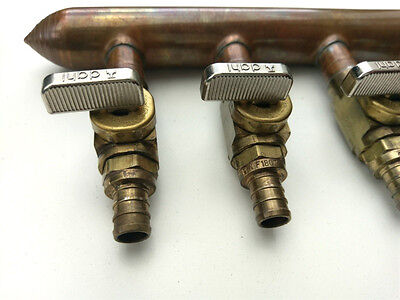 "6 Port 1/2"" out 3/4"" in PEX Manifold with Valves by Sioux Chief 672XV0690 CLOSED"