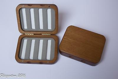 Small wood box for flies (Fly box)