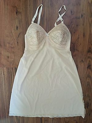 Vintage 1950s/60s Nude Bullet Bra Lingerie Lace Slip Size Small