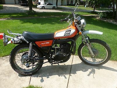 1976 Yamaha DT250  1975 YAMAHA DT250 ENDURO ORIGINAL MOTORCYCLE WITH REAR RACK