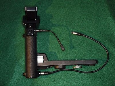 Olympus Power Bounce Grip 2 for OM Series, Complete with Cables