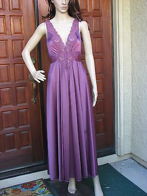 """VTG OLGA Plum Classic Hug 158"""" Full Sweep Nightgown Negligee Gown 92280 Size S"""