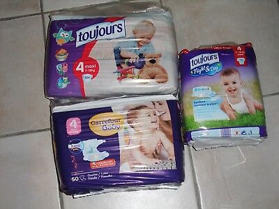 lot de 129 couches taille 4 7/18 kg neuf