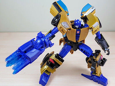 Transformers Generations IDW GOLDFIRE Near New DELUXE CLASS bumblebee goldbug