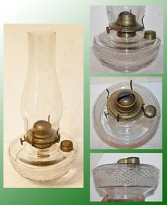 Antique Bracket Lamp W/ Diamond Block Design Brass Fount Cap, Burner & Filler
