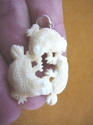 (j-frog-1) 3 Little Frogs frog baby aceh bovine bone circle carving PENDANT