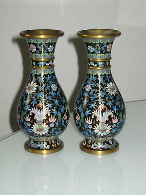 STUNNING PAIR OF EARLY 20th CENTURY CHINESE CLOISONNE ENAMEL VASES