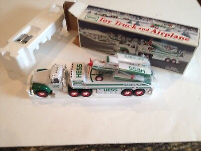 HESS 2002 TOY TRUCK and AIRPLANE   NEW!