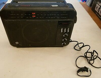 Vintage Ge Superadio Super Radio Long Range Am/fm Hi Performance Very Nice
