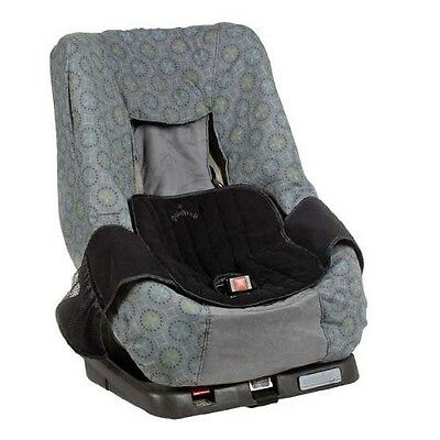 Wee Guard Seat saver protects car seats and strollers from messy nappy leaks.
