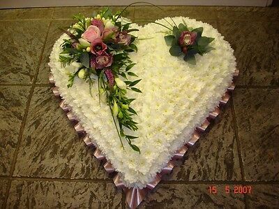 Fresh flower funeral tribute 'Heart' St Albans & surrounding areas