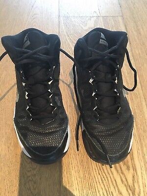 boys basketball shoes, size 6Y us