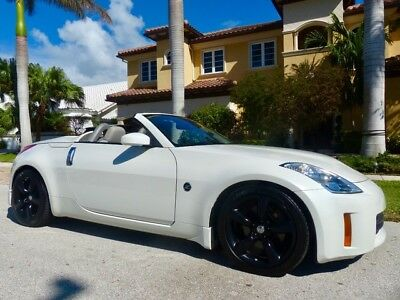 2007 Nissan 350Z  ONLY 27k Miles Grand Touring Navigation Clean CARFAX FL Owned