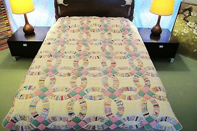 "OUTSTANDING Vintage Feed Sack Hand Sewn WEDDING RING QUILT 84"" x 72"", Very Good!"