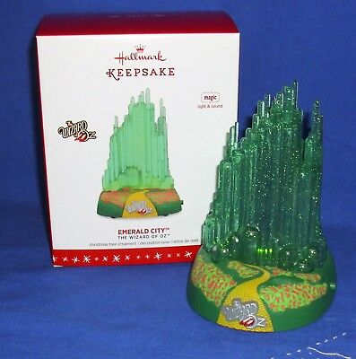 Hallmark Magic Ornament The Wizard of Oz Emerald City 2016 Light & Sound NIB