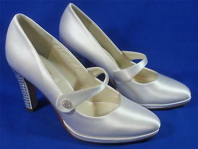 NEW Diane Lynn by Saugus Shoe Brie 72075B White Silk Size: 6.5B
