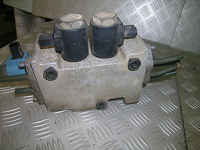 D2 Land Rover Discovery ACE shuttle valve or hydraulic controller