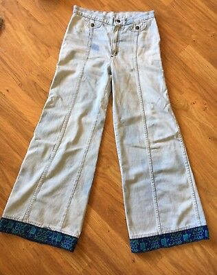 True Vintage Wrangler High Waist embroidered Bell Bottoms