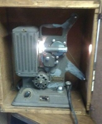 Vintage Keystone 8MM Projector Model R-8 510516 s# Running w Bulb