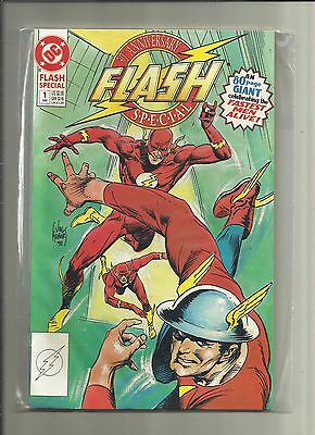 The FLASH  : 50th ANNIVERSARY SPECIAL, 80 PAGE GIANT. . DC. 1990