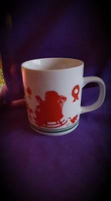 Vintage Avon Silhouette Christmas Coffee Tea Mug; 1984 Holiday