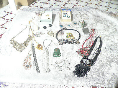 A  Selection Of Assorted Jewellery