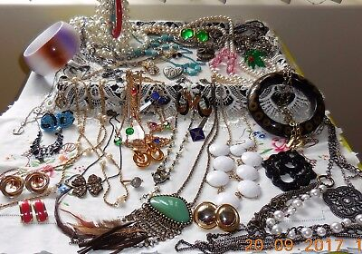 Bulk Lot Vintage Jewellery All-To-Wear Fantastic Variety Costume Pieces