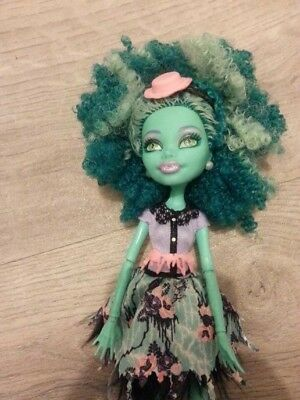 Mattel Monster High Frights Camera Action Honey Swamp doll. Excellent cond.