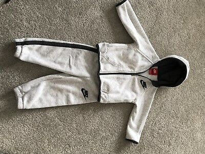 Nike Boys Tracksuit 12-18 Months